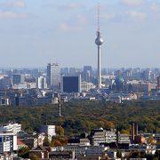 Organiziranje Bošnjaka u Berlinu počinje 1989. godine nakon osnivanja Islamskog kulturnog centra