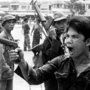 Najekstremnija politička forma antiintelektualizma desila se tokom zločina koje su počinili Crveni Kmeri