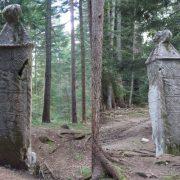 Stećci sa područja Olova: Bosanski srednjovjekovni spomenici žive  u svome materijalnom i duhovnom zdanju