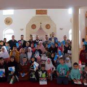 Mladi iz Sarajeva posjetili polaznike mektebske nastave u Čaršijskoj džamiji u Srebrenici